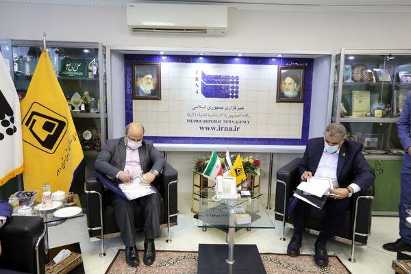 امضاء تفاهم نامه همکاری بین شرکت بهره برداری متروی تهران با خبرگزاری ایرنا