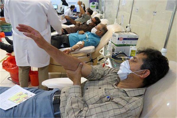 امدادگران کمیته امداد استان قم، خون، اهدا کردند