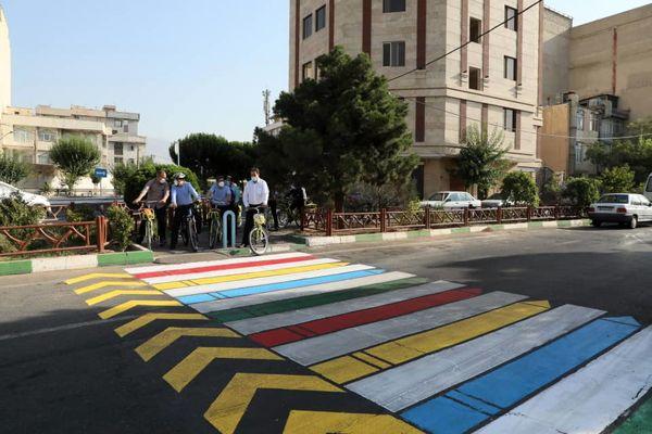 آغاز مرحله جدید خط کشی های عابر پیاده منطقه۱۳ با طرح های رنگی و خلاقانه