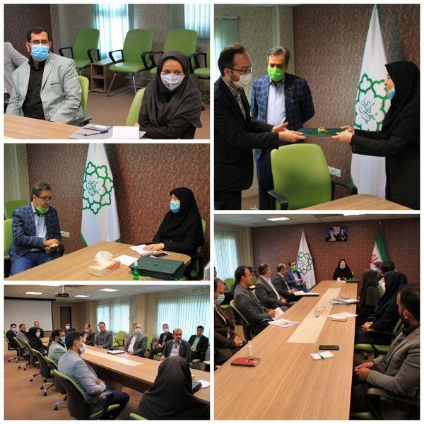 نشست شورای مدیران با حضور مدیرکل محیط زیست و توسعه پایدار برگزار شد.