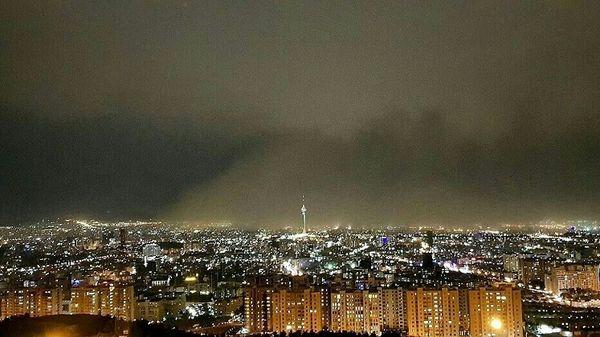 تصویری جالب از ورود طوفان خاک از جنوب تهران+عکس