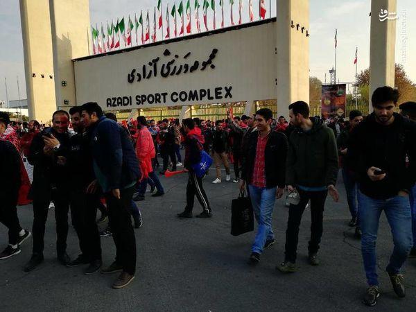 پرسپولیسیهای مشتاق در ورزشگاه آزادی+عکس