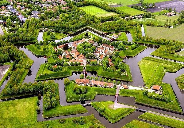 بهشتی در هلند که هیچ جادهای ندارد +عکس