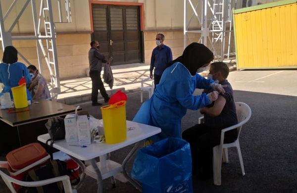 آغاز واکسیناسیون کرونا برای پاکبانان منطقه 4 تهران