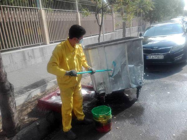 ضد عفونی روزانه مخازن زباله شمال شرق پایتخت در روزهای کرونایی