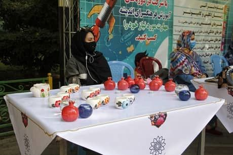 برپایی نمایشگاه دست آفرین به مناسبت دهه کرامت در منطقه 7