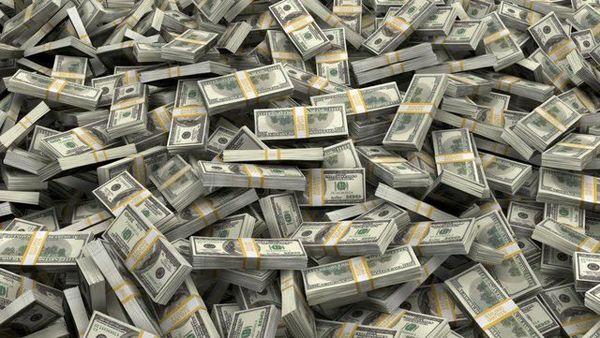 آیا الان وقت خریدن دلار است ؟