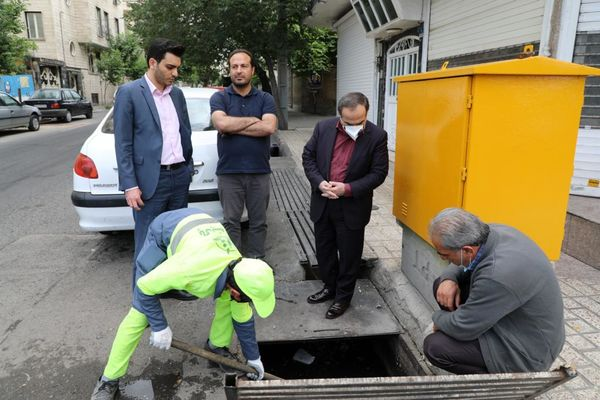 اجرای طرح فوریتی نگهداشت شهر در خیابان پیروزی