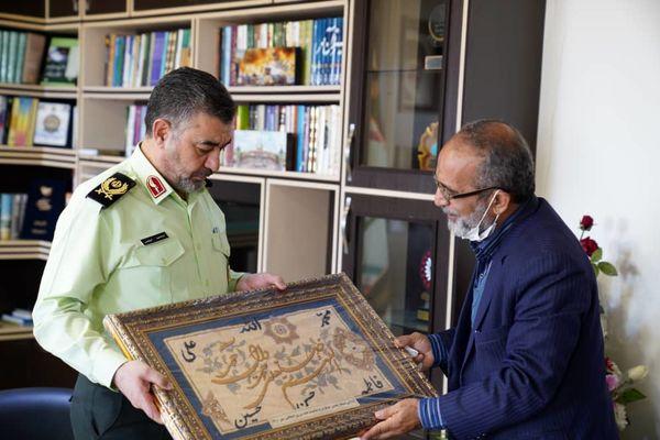 تجلیل قائم مقام تولیت مسجد جمکران از فرمانده انتظامی استان قم
