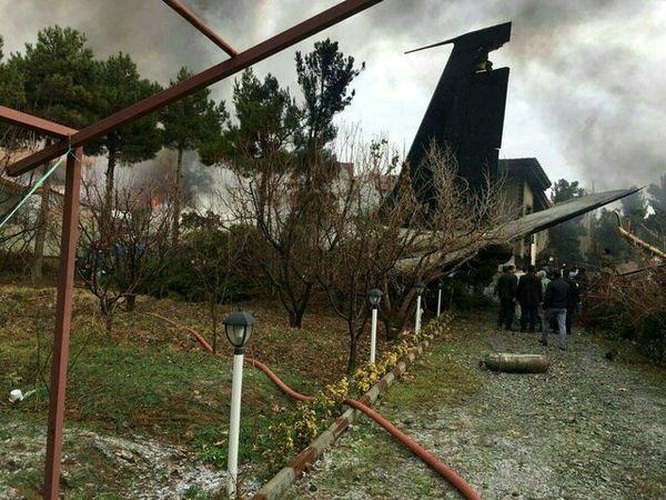 7 جسد در محل سقوط هواپیما در کرج پیدا شد