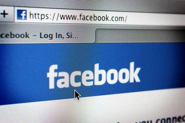 دلیل عجیب یک زن برای وارد شدن به اکانت فیسبوک دخترش + عکس