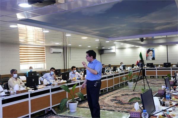 نقشآفرینی شرکتها در توسعه اقتصاد ملّی با بهرهگیری از نیروی انسانی متخصص