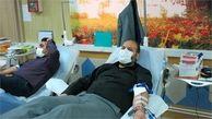 جمعی از کارکنان بسیجی شرکت گاز استان مرکزی واحدی از خون خود را اهداء نمودند