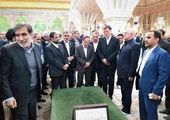 حضور رهبر انقلاب در مرقد امام خمینی(ره) و گلزارشهدا