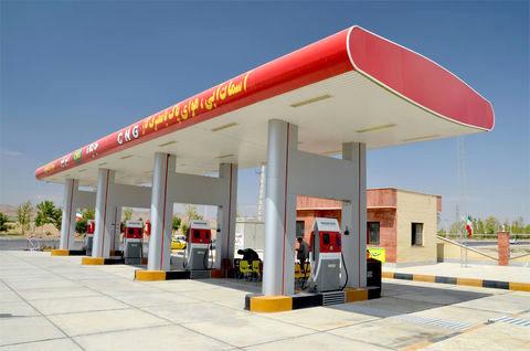 قیمت بنزین در ایران توریست خارجی را حیرت زده کرد+عکس