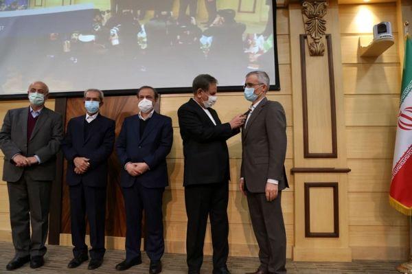 مدال افتخار ملی صادرات به ذوبآهن اصفهان رسید