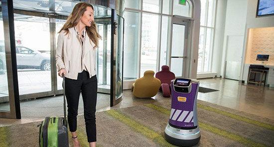 پیشخدمت رباتیک در هتل آمریکایی استخدام شد