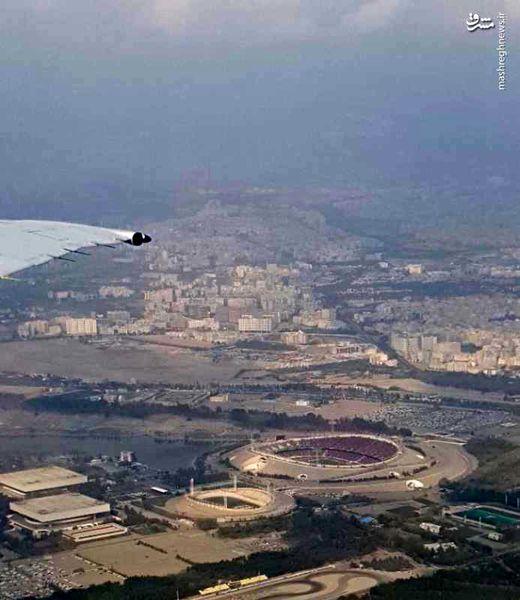 استادیوم آزادی از پنجره هواپیما+عکس