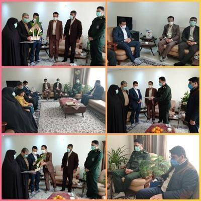 سرکشی و دیدار با خانواده شهید محمود آقا زیارتی از شهدای والا مقام ۸ سال دفاع مقدس