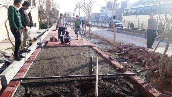 انجام عملیات عمرانی احداث و تجهیز باغ راه شهدای ایرانیت