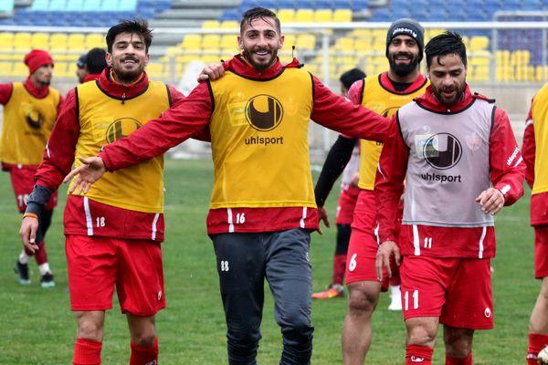 تمرین 50 دقیقهای پرسپولیسی ها در ورزشگاه شهید کاظمی