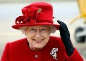 ملکه انگلیس در حال رانندگی+عکس