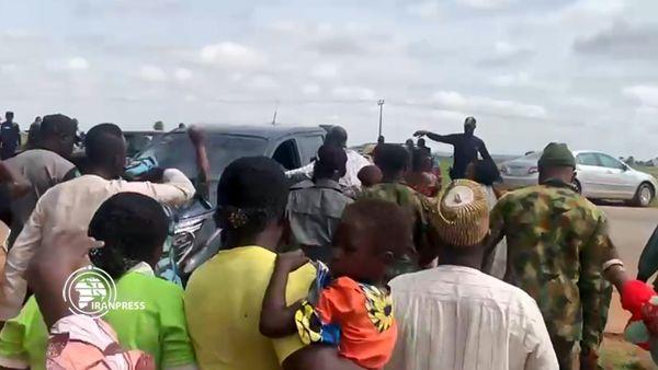 تجمع خانوادههای دانشآموزان ربوده شده در ایالت کادونا نیجریه