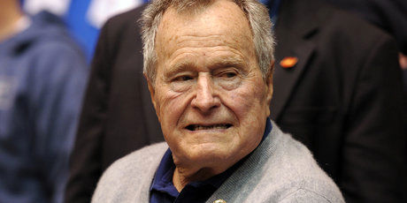 جورج بوش مرد + عکس