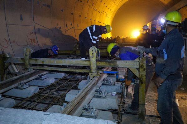 ورود محموله ریل سوم به پروژه مترو قم