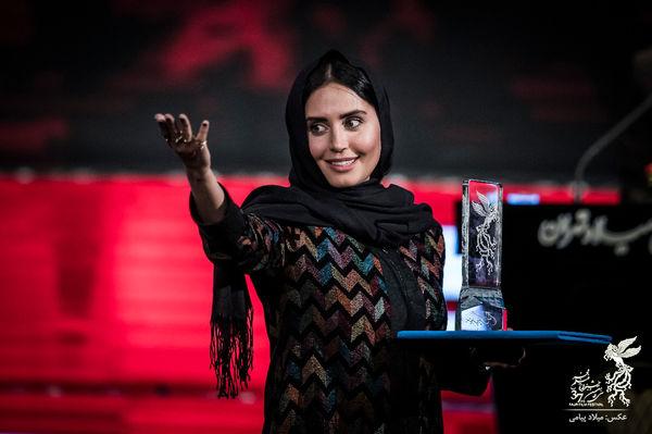 اشک های الناز شاکردوست در جشنواره فیلم فجر+عکس